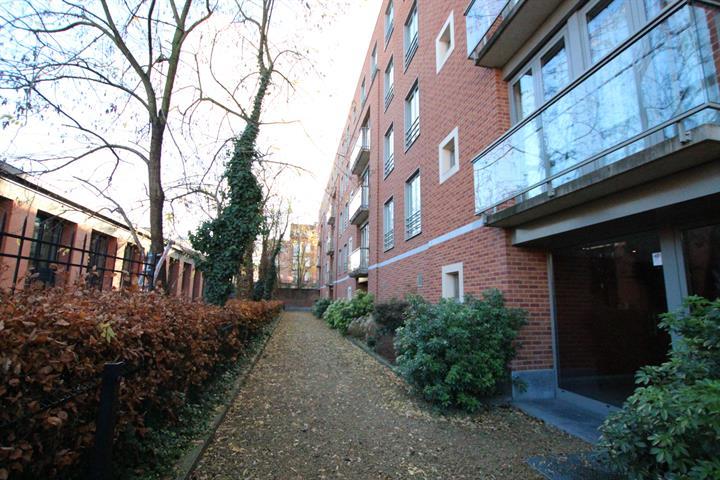 10 Avenue des Volontaires Etterbeek,1040,2 Slaaplamers Slaaplamers,2 Kamers Kamers,2 BadkamersBadkamers,Apartment,Avenue des Volontaires,2,3624686