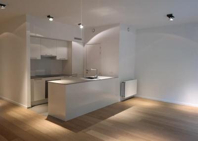 27 avenue Latérale Uccle,1180,2 Chambres à coucher Chambres à coucher,2 Pièces Pièces,1 la Salle de bainSalle de bain,Appartement,avenue Latérale,1,3813342
